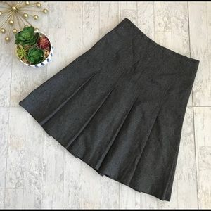 Michael Kors Grey Wool Pleated Skirt size 4